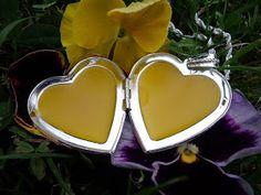 Přírodní kosmetika recepty blog o výrobě přírodní kosmetiky Perfume Making, Homemade Cosmetics, Natural Cosmetics, Korn, Anti Aging, Herbalism, Diy And Crafts, Mirrored Sunglasses, Hair Beauty