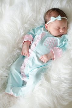 Baby girl coming home outfit, monogrammed footie, newborn clothing, girl clothin… Cute Baby Girl, Cute Babies, Baby Kids, Going Home Outfit, Girls Coming Home Outfit, Newborn Outfits, Girl Outfits, Newborn Clothing, Girl Clothing