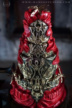 AWESOME!!!!! #Alexander McQueen Cake