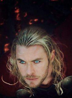 Thor - Que olhar é esse...nossa!