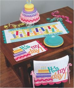 Table Please Quilt Book - Table Runner Patterns - Nancy Halvorsen - Art to Heart - DIY Easter Decorations - Summer Craft Projects - DIY Tabl...