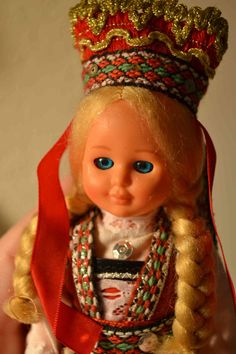 ✿ڿڰۣ Norwegian doll...when I was little and my parents used to talk about the possibility of us taking a trip to Europe, I wanted to get a doll from every country we visited