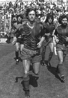 El holandés, que jugó 10 partidos con el club granota , viajaba con el presidente y exigía un porcentaje de la taquilla al rival