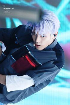 ¤ -rolls on the floor- Nct Taeyong, Hot Korean Guys, Korean Men, Beijing, Kento Nakajima, Nct Taeil, Sm Rookies, Popular People, Jawline