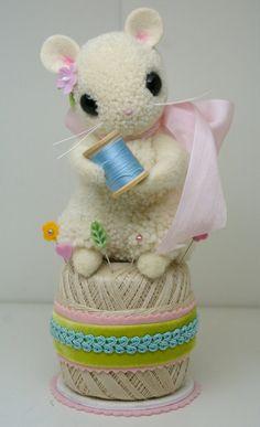 Sew Cute Mouse on Spool Pin Cushion
