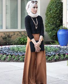 Back to my love with palazzo pants especially when it's this camel tone. Yay or Nay?! #HijabFashion #MyStyle #FallFashion