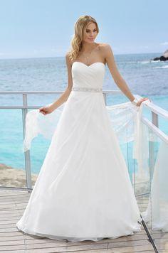 Elegant Beach Outdoor Beaded Strapless Taffeta Organza Wedding Dress