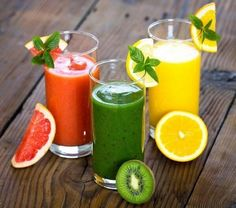 7 Smoothie For Rapid Weight Loss - Recipes.Smoothies are low in fat, rich in nutrients and loaded with fiber. This make them the perfect weight loss food. Smoothie Detox, Smoothie Drinks, Fruit Smoothies, Detox Drinks, Healthy Smoothies, Healthy Drinks, Healthy Recipes, Detox Recipes, Drink Recipes
