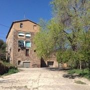 Old textile factory by the Cardener river. Barcelona, Tours, River, Mansions, Park, House Styles, Places, Home, Manor Houses
