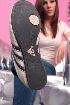 girls licking soles