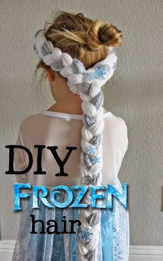 Make Elsa hair! SO Simple, takes less than an hour to make! Make Elsa hair! SO Simple, takes less th Frozen Braid, Frozen Headband, Diy Headband, Hair Yarn, Yarn Wig, Elsa Kostüm Kind, Freeze, Festa Frozen Fever, Elsa Braid