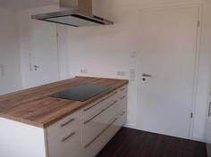 Offene L-Küche mit Insel - Fertiggestellte Küchen - Nobilia Nobilia 2014 mit Magnolia Lackfront