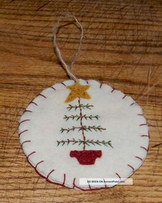 Primitive Penny Rug Christmas Ornament - Feather Christmas Tree With Star Primitives photo Primitive Christmas Ornaments, Felt Christmas Decorations, Christmas Tree Pattern, Christmas Sewing, Felt Ornaments, Christmas Trees, Felt Crafts, Holiday Crafts, Penny Rug Patterns