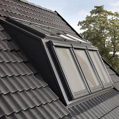 Mit dem PANORAMA von VELUX entsteht eine großzügige gaubenähnliche Fensterkombination für deutlich mehr Raum und Kopffreiheit. Hier mehr Infos.