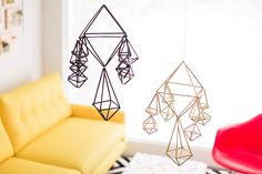 DIY Bedroom Decor Ideas - Make Modern Geometric Mobiles - Easy Room Decor Projects for The Home - Cheap Farmhouse Crafts, Wall Art Idea, Bed and Bedding, Furniture Cool Baby, Diy Quilt, Diy Room Decor, Bedroom Decor, Home Decor, Art Decor, Design Bedroom, Diy Bett, Diy Casa