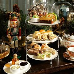 Follow the British tradition and relax mid-day with fine freshly steeped tea, accompanied with small cakes, sweets and savoury sandwiches. Indulge in an elegant afternoon fit for a queen or king. Perfect for corporate functions, bridal and baby showers or just a get-together with friends.