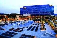 Las Vegas Hotels, Casino Royale, Hotels And Resorts, Best Hotels, Luxury Hotels, Top Hotels, Ursula Andress, Las Vegas Strip, Sharon Stone