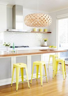 This contemporary open-plan kitchen is the perfect space to serve up vibrant social dinners Old Kitchen, Kitchen Dining, Kitchen Ideas, Contemporary Open Plan Kitchens, Buy Bar Stools, Splashback Tiles, Wooden Plates, Metal Furniture, Interior Design Inspiration