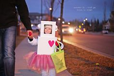 first off I love this blog.. this little girl is the coolest chic i have ever seen and this costume rocks!!!