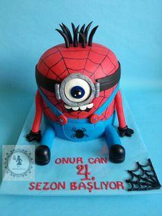 Spiderman Minnions Cake
