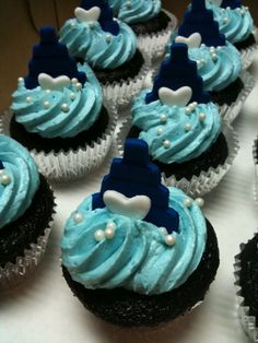 light and dark blue wedding cup cakes-colors are perfect