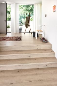 Bright floors are in vogue! Which optics count to bright floors and w . Kitchen Ornaments, Refinishing Hardwood Floors, Floor Colors, Kitchen Flooring, Interior Inspiration, Sweet Home, New Homes, Interior Design, Architecture