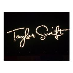 Foto concerto Taylor Swift Mediolanum Forum Assago, Milano. 15 Marzo... ❤ liked on Polyvore