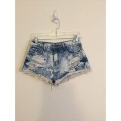 Acid Wash Shorts Super cute mid-rise acid wash shorts with lace trim! I love these but they're too small for me now :( only worn a handful of times! They look fairly new. Forever 21 Jeans
