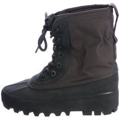 Pre-owned Yeezy 950 W Boots ($425) ❤ liked on Polyvore featuring shoes, boots, black, laced boots, round toe boots, rounded toe boots, hidden wedge boots and front lace up boots