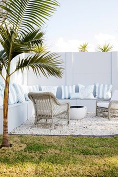The Three Birds' latest renovation! We reveal the stunning backyard. Backyard Projects, Backyard Patio, Outdoor Landscaping, Landscaping Ideas, Backyard Ideas, Garden Ideas, Outdoor Spaces, Outdoor Living, Outdoor Decor