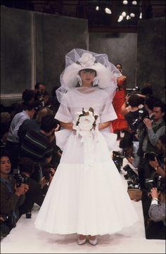 Le défilé Christian Dior haute couture printemps-été 1987