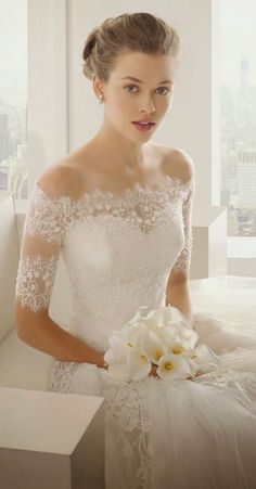 5 Most Flattering Wedding Dress Necklines For Every Bride - Princessly Press Flattering Wedding Dress, Wedding Dress Necklines, Necklines For Dresses, Dresses With Sleeves, Lace Sleeves, Short Sleeves, Classic Wedding Dress, New Wedding Dresses, Bridal Dresses