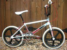 Cycling Quotes, Cycling Art, Bmx 16, Kids Cycle, Vintage Bmx Bikes, Gt Bmx, Bmx Cruiser, Women's Cycling Jersey, Cycling Jerseys