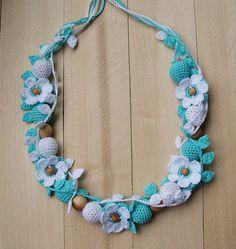 Nursing Breastfeeding Necklace Teething necklace Knit Babywearing necklace Flowers Crochet nursing necklace Baby Boho Blue White Organic