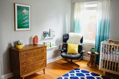 Surf Inspired Nursery http://www.greetingsfromtx.com/2014/05/paiges-surf-inspired-nursery.html