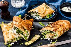 Als verantwoorde lunch of diner, met deze eiwraps met gezonde kruidenkaas zit je altijd goed. En nog beter, ze zijn al binnen een kwartiertje klaar! Vegetarian Lunch, Vegetarian Recipes, Healthy Recipes, I Love Food, A Food, Healty Lunches, Low Carb Lunch, Lunch To Go, Lunch Box