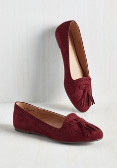 Soaring Tutorial Flat in Burgundy - Red, Solid, Tassels, Work, Casual, Good, Variation, Flat, Faux Leather, Faux Suede