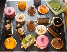 _____ is my favourite cake! No need to worry, the Mandarin Cake Shop at Mandarin Oriental, Jakarta, Indonesia, has it all! Individual Desserts, Small Desserts, Fancy Desserts, Fancy Cakes, Mini Cakes, Mandarin Cake, Mandarin Oriental, Birth Cakes, Pastry Design