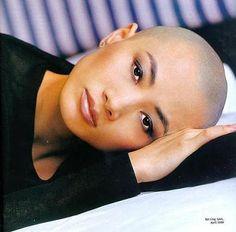 BALD WOMEN | actress go bald |bald head woman | britney shave her head                                                                                                                                                      Más