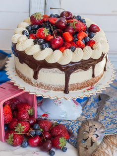 Delicate berry almond cake made with fluffy almond cake layers, almond German buttercream, chocolate ganache and loads of berries! Perfect for summer! Food Cakes, Cupcake Cakes, Fruit Cakes, Cupcakes, Cake Recipes, Dessert Recipes, Fruit Dessert, Chocolate Ganache, Dessert Chocolate