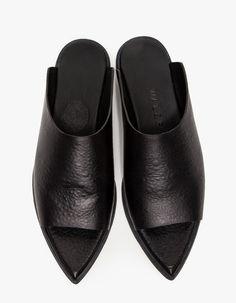 Wal & Pai / Olympic Sandal in Black Pretty Shoes, Beautiful Shoes, Shoe Boots, Shoes Sandals, Shoe Bag, Mode Shoes, Pumps, Heels, Designer Shoes