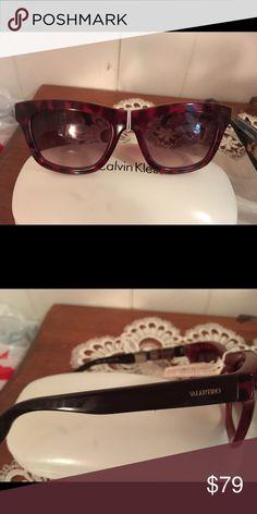 Sunglasses Valentino red sunglasses  v91s 640 53/19 135.  Come with a plain pouch. Mario Valentino Accessories Sunglasses