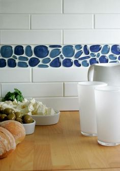 Subway Tile kitchen splashback with border tile