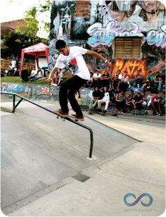 Skateboarding HONOR HASTA EL FIN Skater: Alejandro Ramírez Fotografía: Alejandro Giraldo Copa Antioquia de Skateboarding Baby Strollers, Street Style, Natural, Children, People, Breakfast Nook, Baby Prams, Young Children, Boys