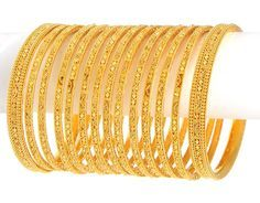 Gold Jewelry (Bangles st of - - Gold Bangles, set of 12 churis and 2 kadas. Bangles are made in Filigree work and Diamond cuts. Gold Bangles Design, Gold Jewellery Design, Antique Jewellery, Jewellery Box, Fine Jewelry, Rose Gold Jewelry, Bangle Set, Schmuck Design, Indian Jewelry