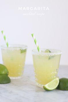 Margarita Mocktail Recipe - Drink Recipes - Cocktails Non Alcoholic Margarita, Virgin Margarita, Margarita Punch, Non Alcoholic Drinks, Mocktail Drinks, Margarita Mocktail Recipe, Margarita Recipes, Cocktail Recipes, Margaritas