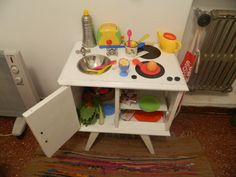Kitchen made from an old sidetable from a dumpster. Genius 100Uss SAVING, and looks better than the IKEA one.