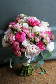 wow! gorgeous bouquet in pinks
