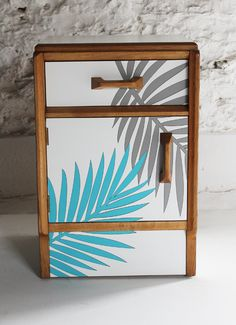 colourful-gplan-upcycled-furniture-by-lucy-turner.png (463×638)