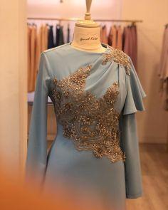 Açık mavi taşlı abiye Hijab Evening Dress, Hijab Dress Party, Evening Dresses, Kebaya Dress, Dress Pesta, Hijab Abaya, Beautiful Dresses, Nice Dresses, Muslimah Wedding Dress